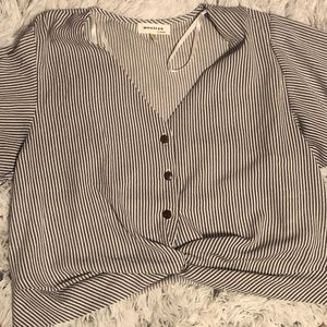 Monteau Knotted Shirt